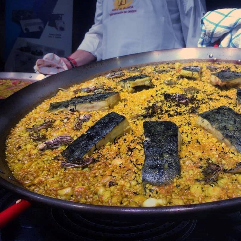 Arroz con sepia, rodaballo, alcachofa y trufa negra, de Adolfo Cuquerella