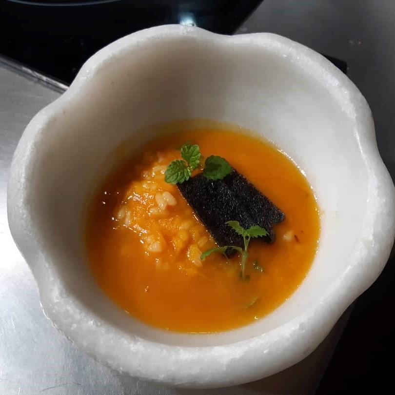 Arroz de calabaza, jamón y hueva de caviar prensado, de Mª José Martínez